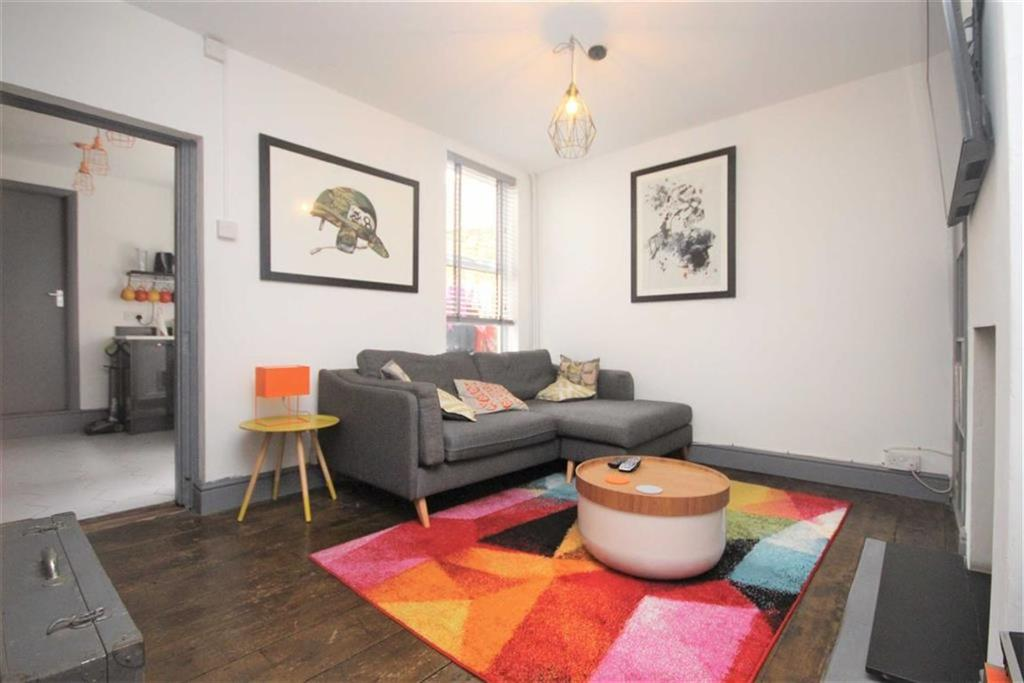 3 Bedrooms Terraced House for sale in South Road, Newhaven