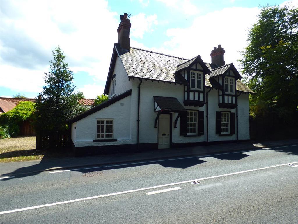 4 Bedrooms Detached House for sale in Post Cottage, York Road, Bishop Burton, Beverley, HU17 8QF