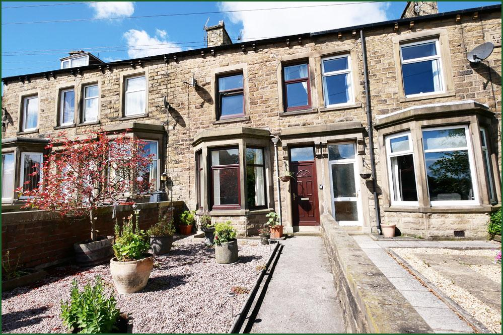 3 Bedrooms Terraced House for sale in Gisburn Road, Barnoldswick BB18