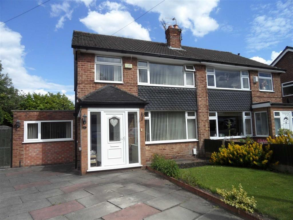 3 Bedrooms Semi Detached House for sale in Crantock Drive, Heald Green