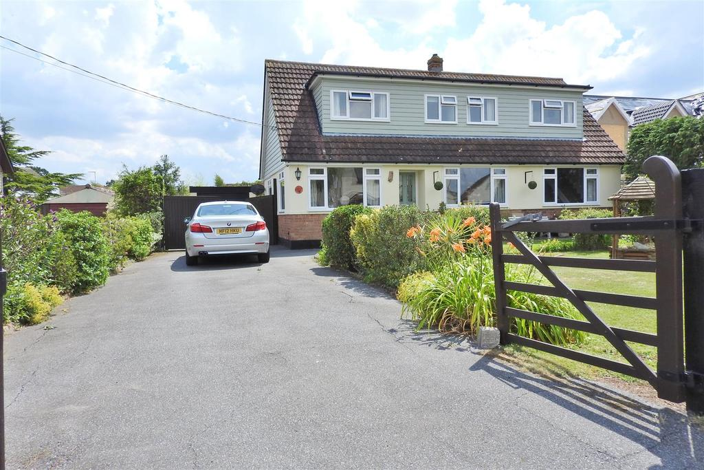 4 Bedrooms Detached House for sale in Esplanade, Mayland