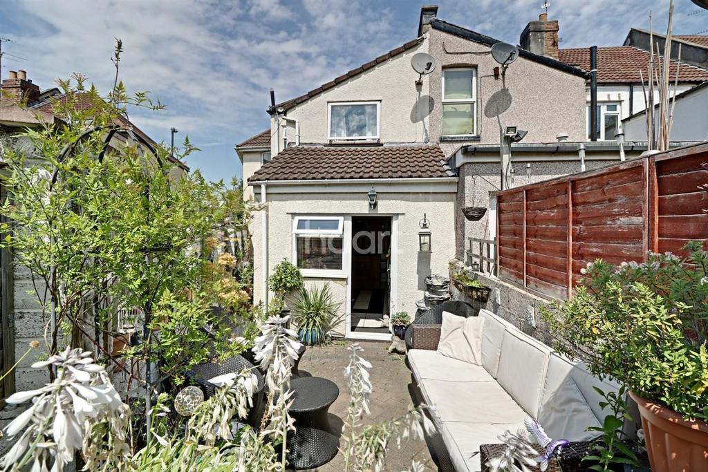 3 Bedrooms End Of Terrace House for sale in Newbridge Road, BS4