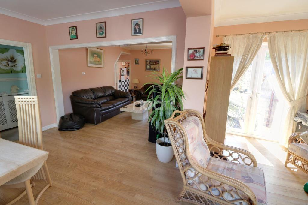 3 Bedrooms End Of Terrace House for sale in Newbridge Road, St Annes, Bristol