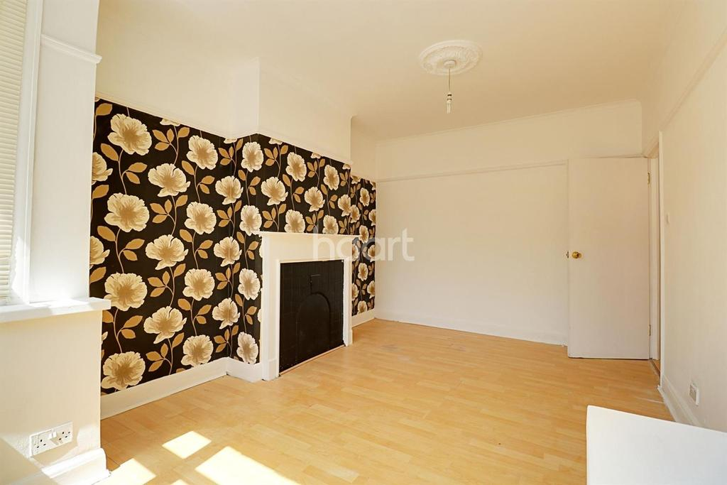 5 Bedrooms End Of Terrace House for sale in Lakehall Road, Thornton Heath, CR7