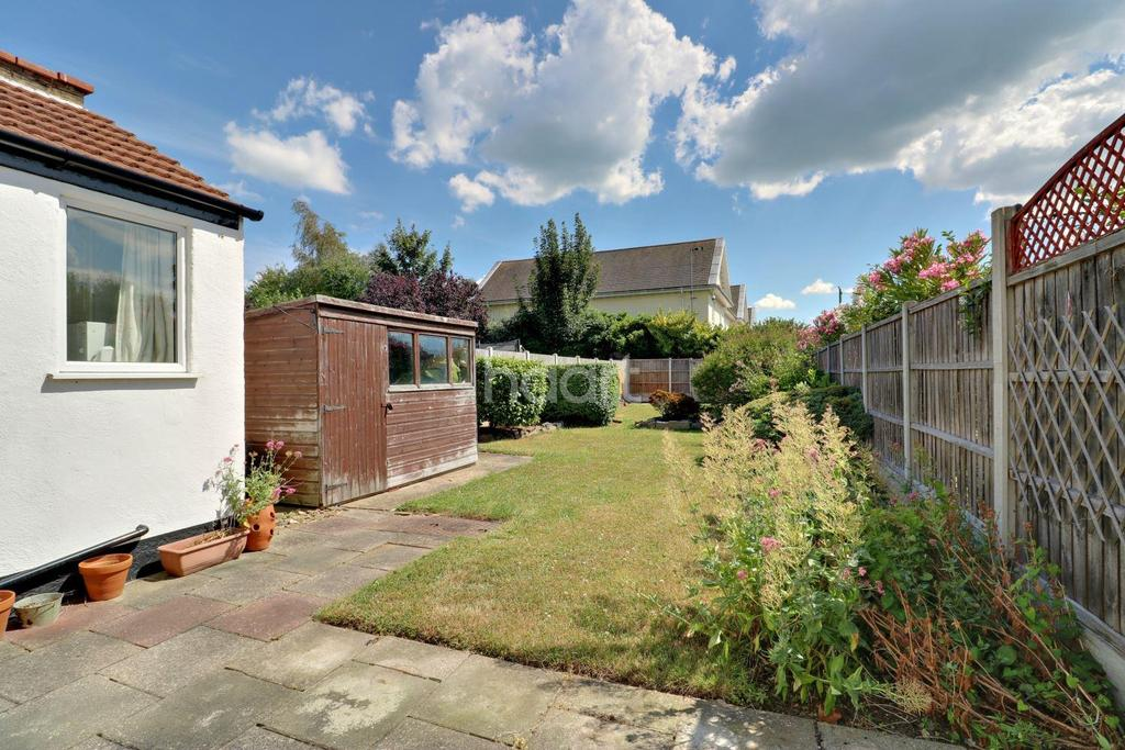 3 Bedrooms Terraced House for sale in Shaftesbury Avenue, Southend On Sea