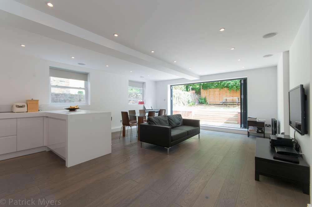 2 Bedrooms Flat for sale in Parkwood Road Wimbledon