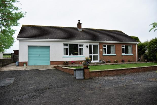 3 Bedrooms Detached Bungalow for sale in Penparc, Cardigan, Ceredigion