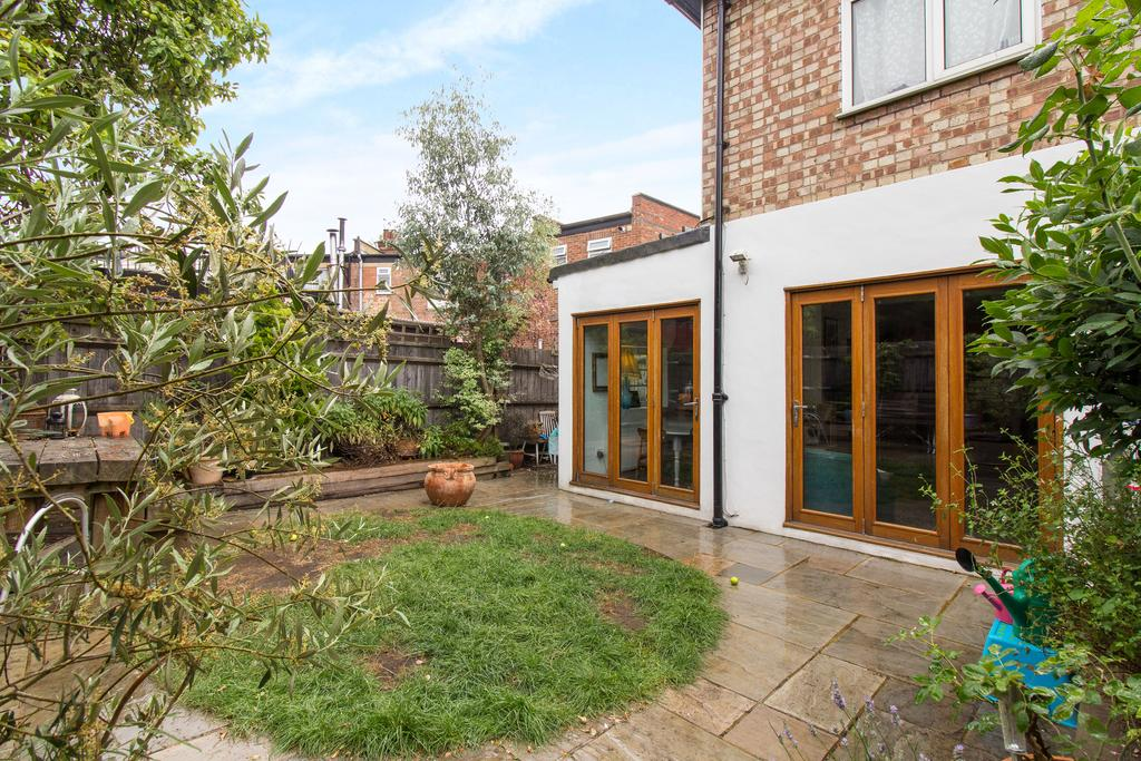 2 Bedrooms Flat for sale in Little Ealing Lane, Ealing