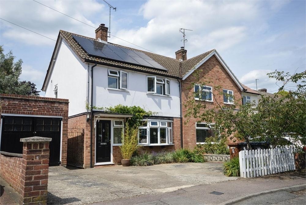 3 Bedrooms Semi Detached House for sale in Salisbury Close, BISHOP'S STORTFORD, Hertfordshire