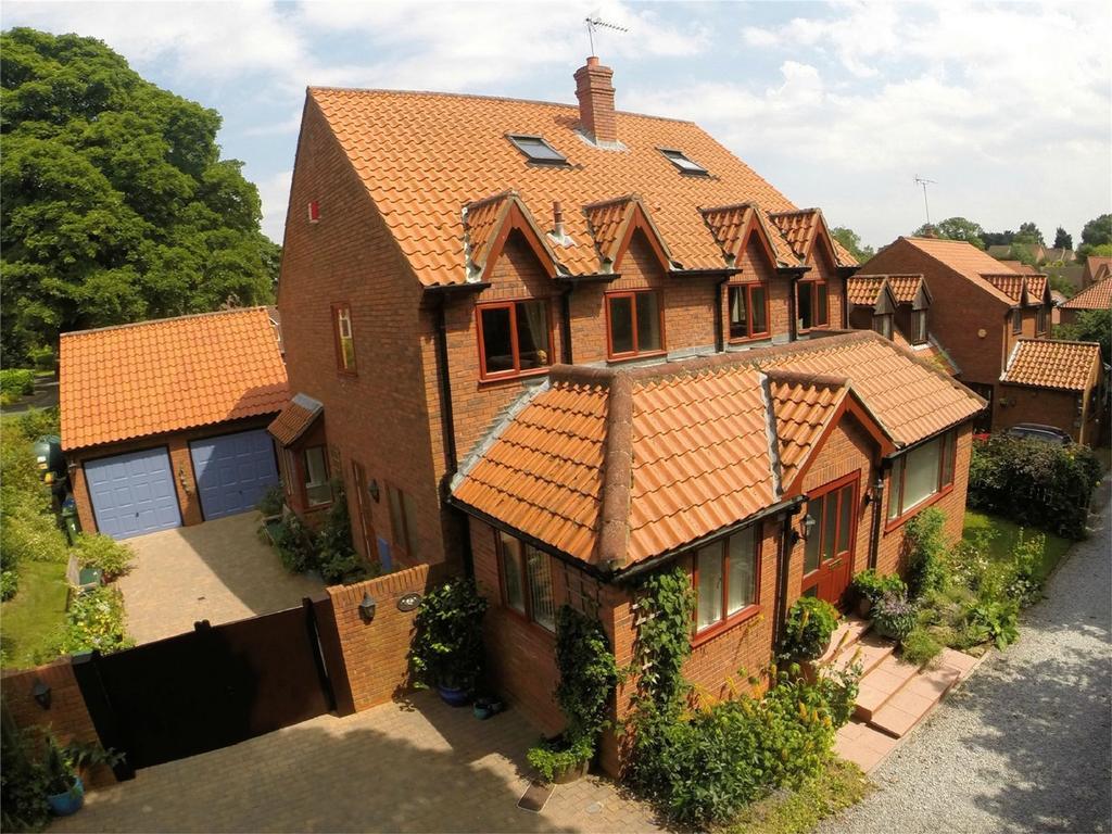 5 Bedrooms Detached House for sale in Saunders Lane, Walkington, Beverley, East Riding of Yorkshire