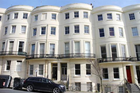 2 bedroom flat to rent - Brunswick Place, Hove