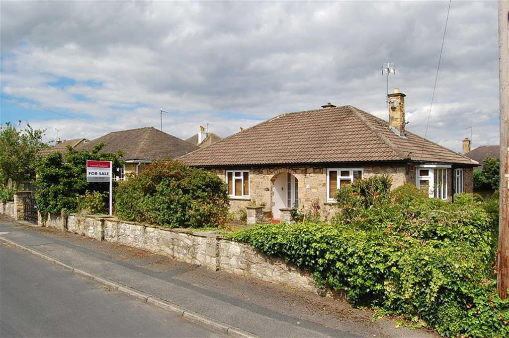 2 Bedrooms Bungalow for sale in North Grove Avenue, Wetherby, LS22
