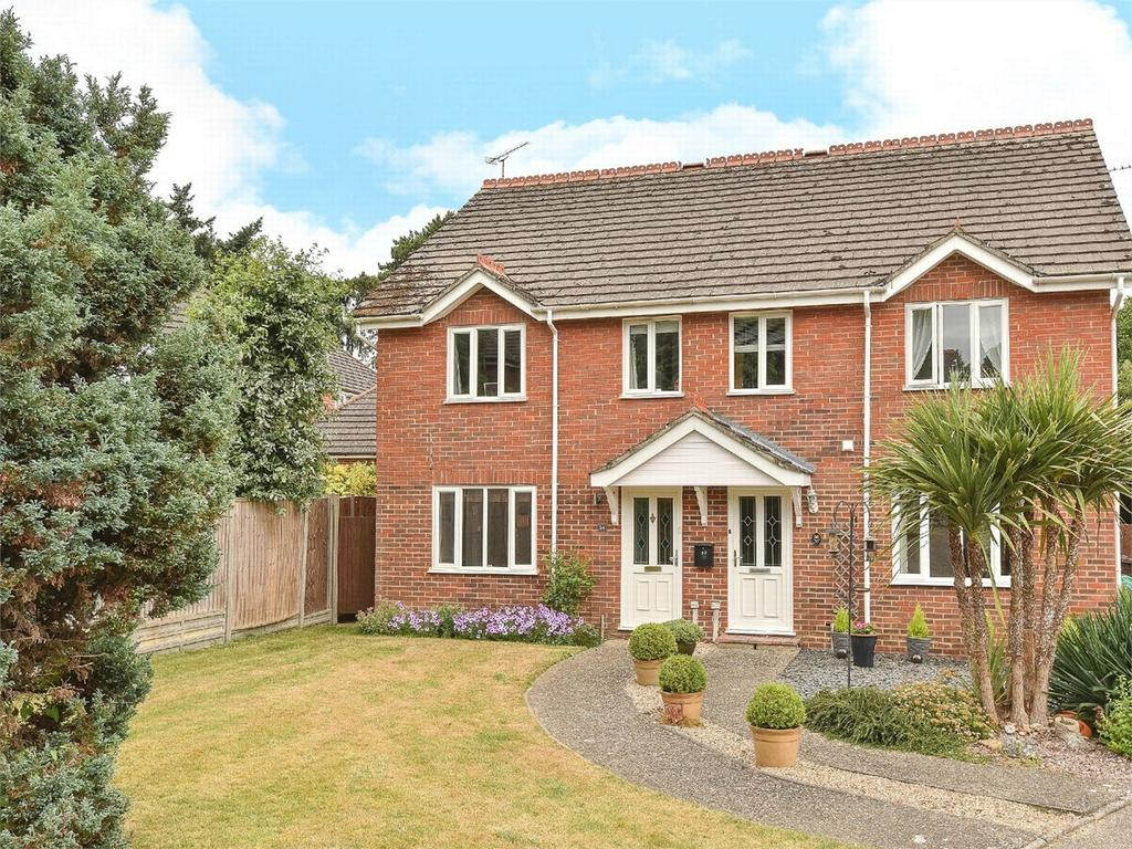 3 Bedrooms Semi Detached House for sale in Camberley, Hampshire
