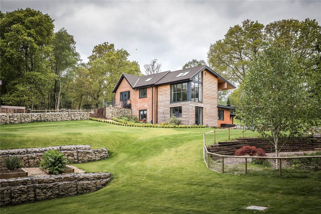4 Bedrooms House for sale in Highwood, Ringwood, Hampshire, BH24