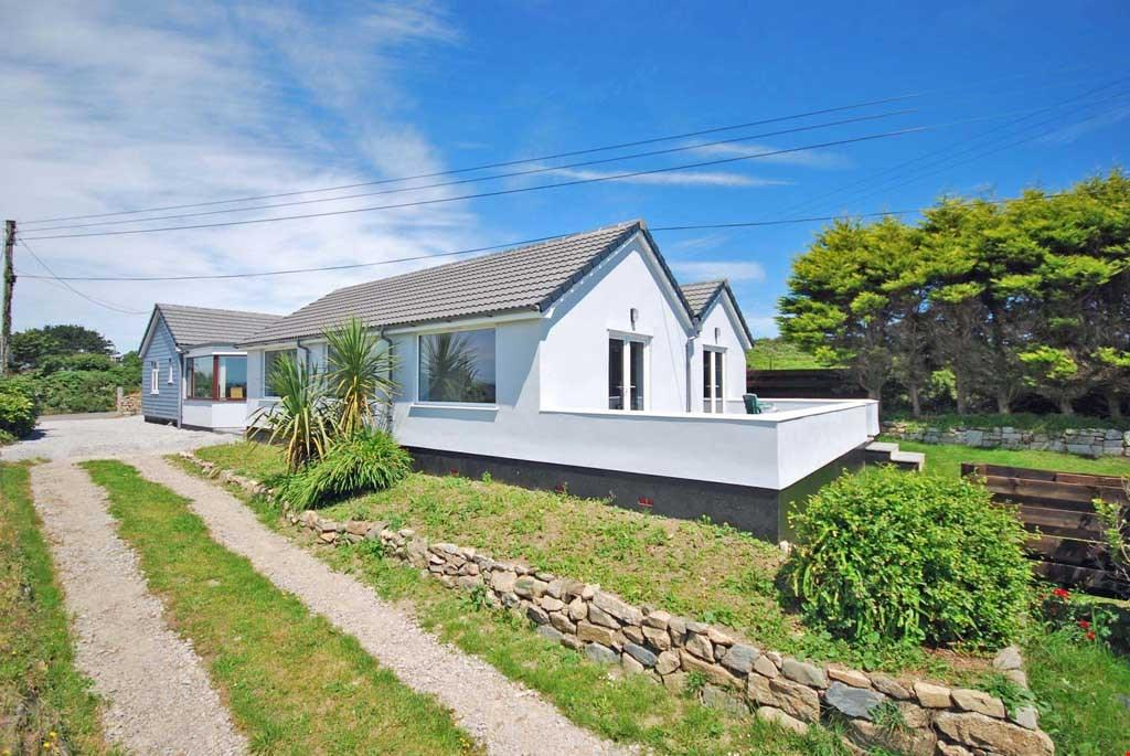 5 Bedrooms Detached Bungalow for sale in Nr. Praa Sands, Penzance, Cornwall, TR20
