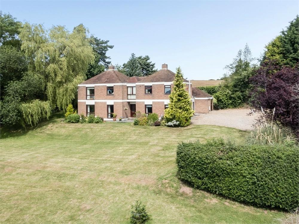 4 Bedrooms Detached House for sale in Rowlestone, Herefordshire