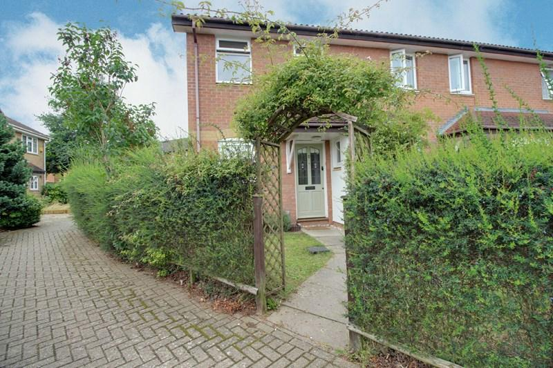 3 Bedrooms End Of Terrace House for sale in Amsterdam Way, Toftwood, Dereham