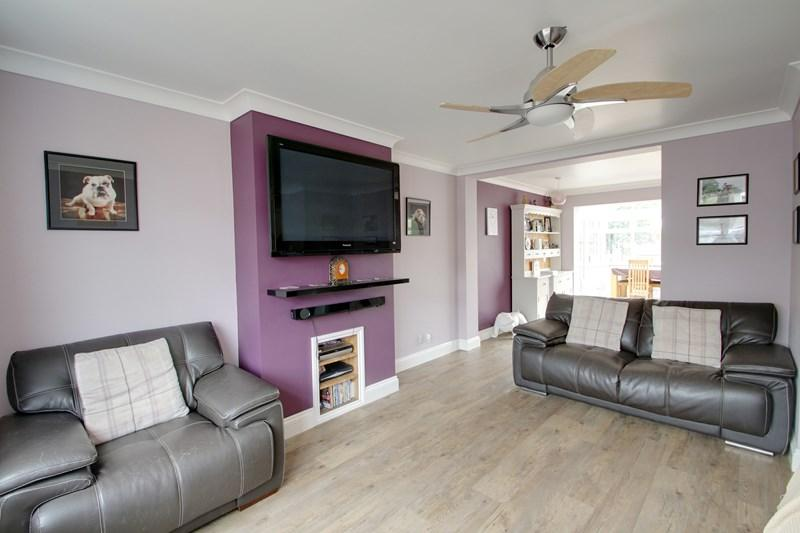 3 Bedrooms Detached House for sale in Rainbow Way, Colne Engaine, Colchester