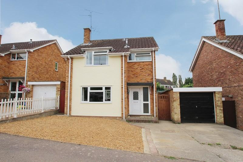 3 Bedrooms Detached House for sale in Rainbow Way, Colchester