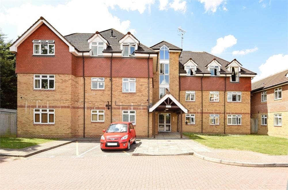 2 Bedrooms Flat for sale in 1 Osprey Close, Bromley, Kent