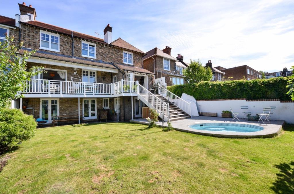 5 Bedrooms Semi Detached House for sale in South Avenue Brighton BN2