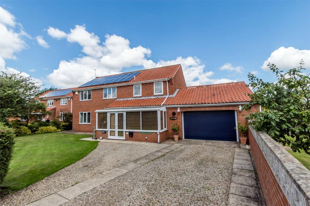 4 Bedrooms Detached House for sale in Moor Lea Avenue, YORK