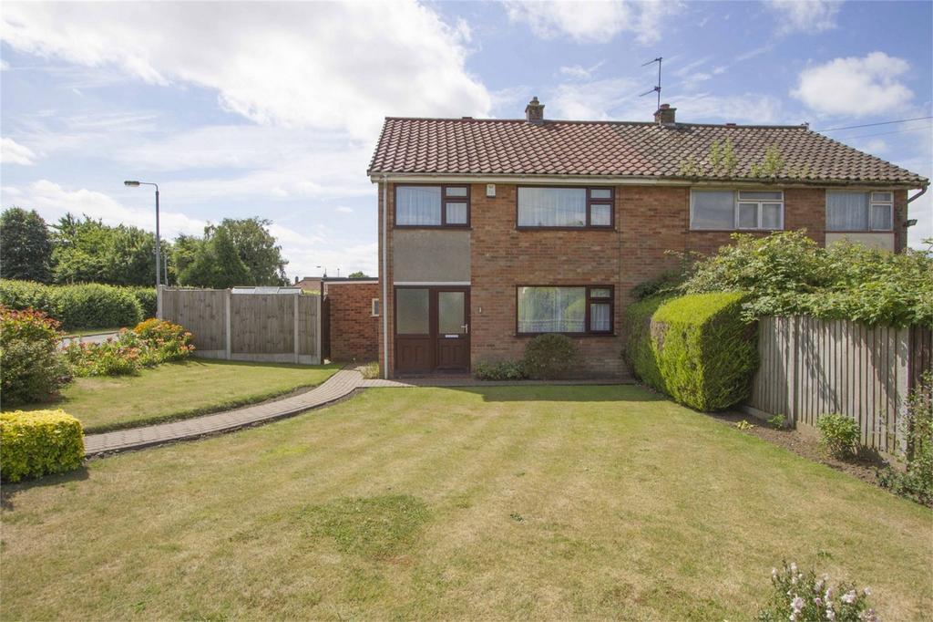 3 Bedrooms Semi Detached House for sale in William Cowper Close, Dereham, Norfolk