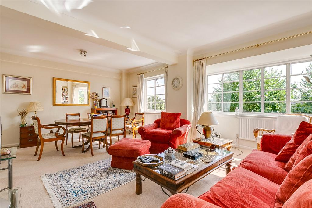 3 Bedrooms Flat for sale in Lancaster Close, 13-15 St. Petersburgh Place, London