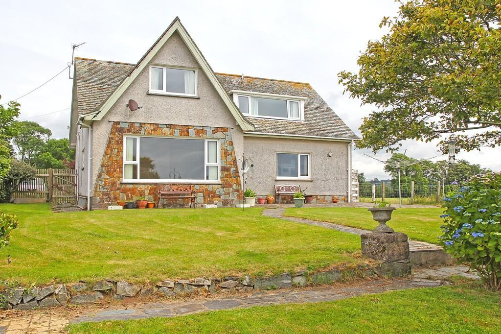 3 Bedrooms Detached House for sale in Glyn Rhosyn, Penrhos, North Wales