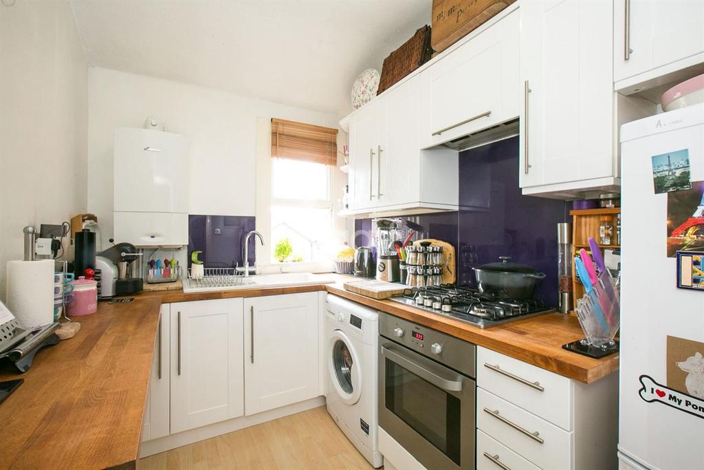 1 Bedroom Flat for sale in Woodland Road, Upper Norwood, SE19