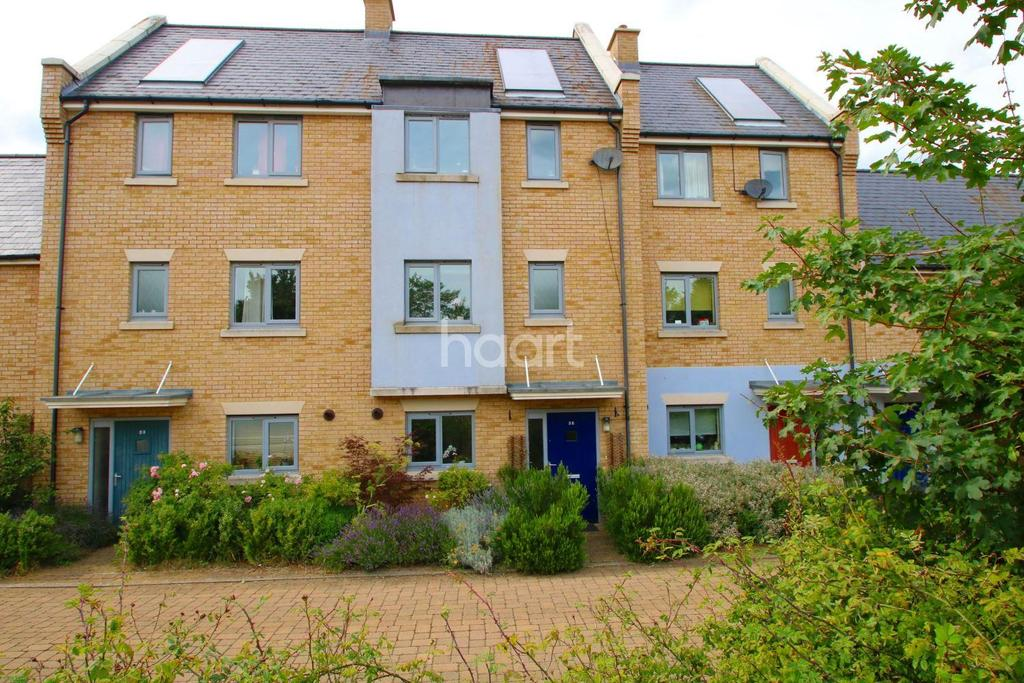 3 Bedrooms Terraced House for sale in Sweetpea Way, Cambridge