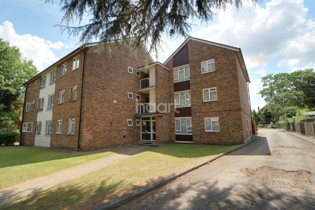 3 Bedrooms Flat for sale in Culloden Road, The Ridgeway, EN2