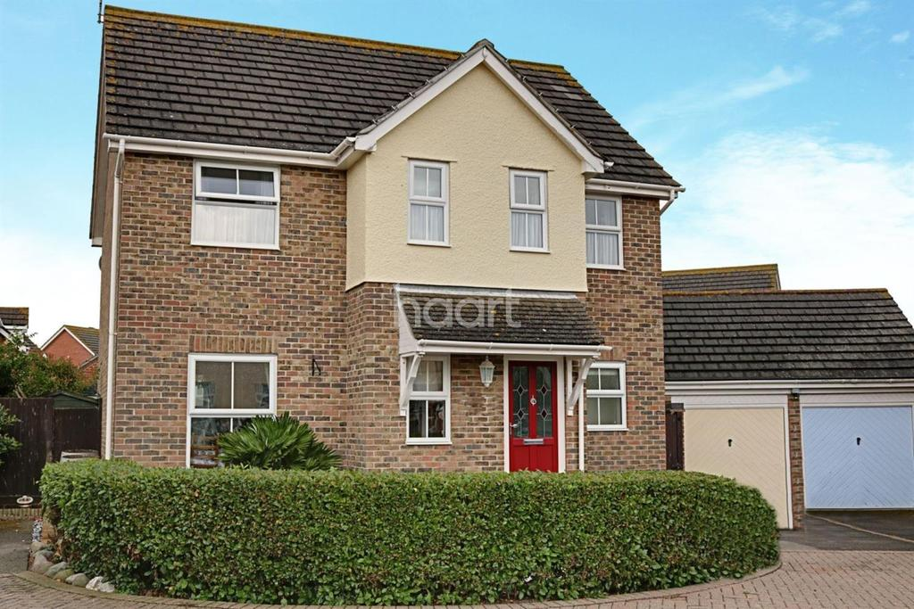 4 Bedrooms Detached House for sale in Martello Estate