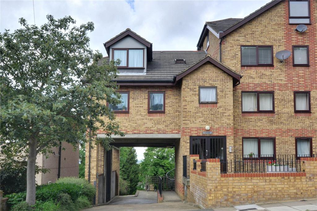 Studio Flat for sale in Maple Court, 50A Cantwell Road, Shooters Hill, London, SE18