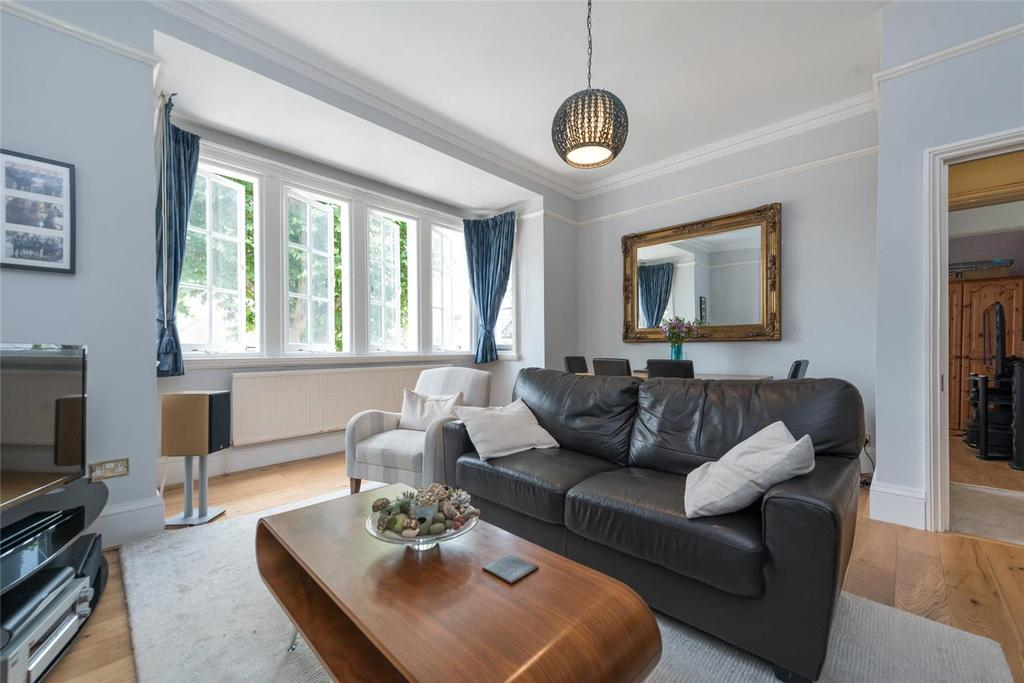 3 Bedrooms Flat for sale in Dartmouth Road, London, NW2