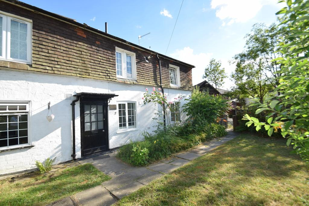 1 Bedroom Ground Flat for sale in Broadford Cottages, Shalford, Guildford GU4 8DW