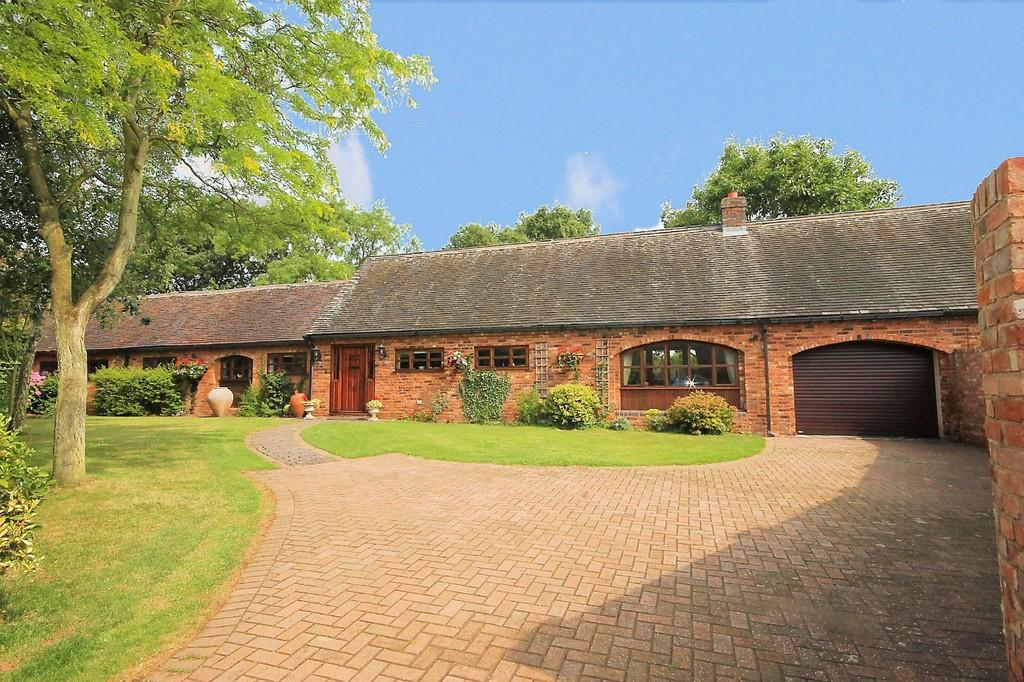 3 Bedrooms Barn Conversion Character Property for sale in Wood Lane, Shenstone, Nr Lichfield, WS14 0HT
