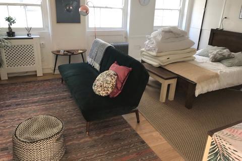 Studio to rent - Duke Street, London, W1U