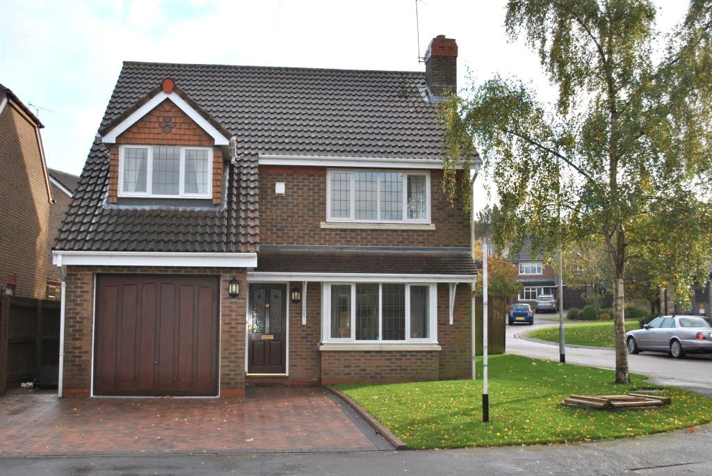 4 Bedrooms Detached House for sale in Wike Ridge Avenue, Alwoodley, Leeds, West Yorkshire