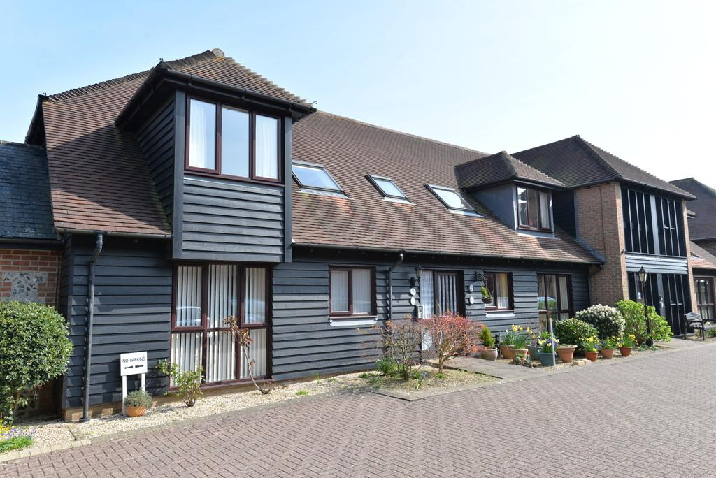 2 Bedrooms Ground Flat for sale in Fernhill Lane, New Milton