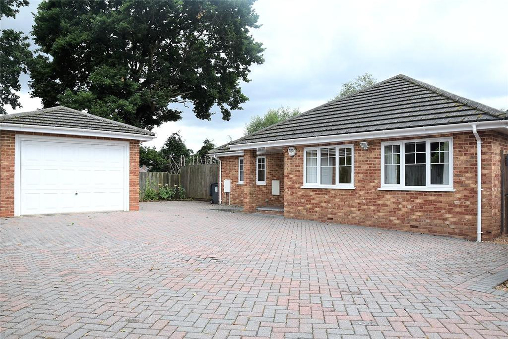 3 Bedrooms Detached Bungalow for sale in Burney Bit, Pamber Heath, Tadley, Hampshire, RG26