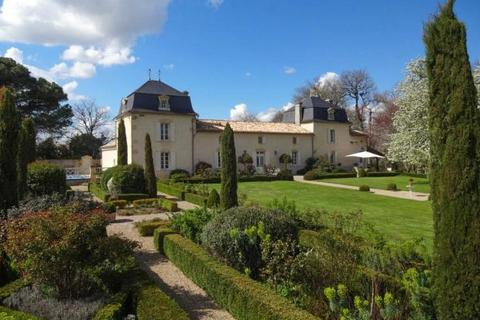 6 bedroom house  - 18th Century Chateau, Entre Deux Mers, South West France