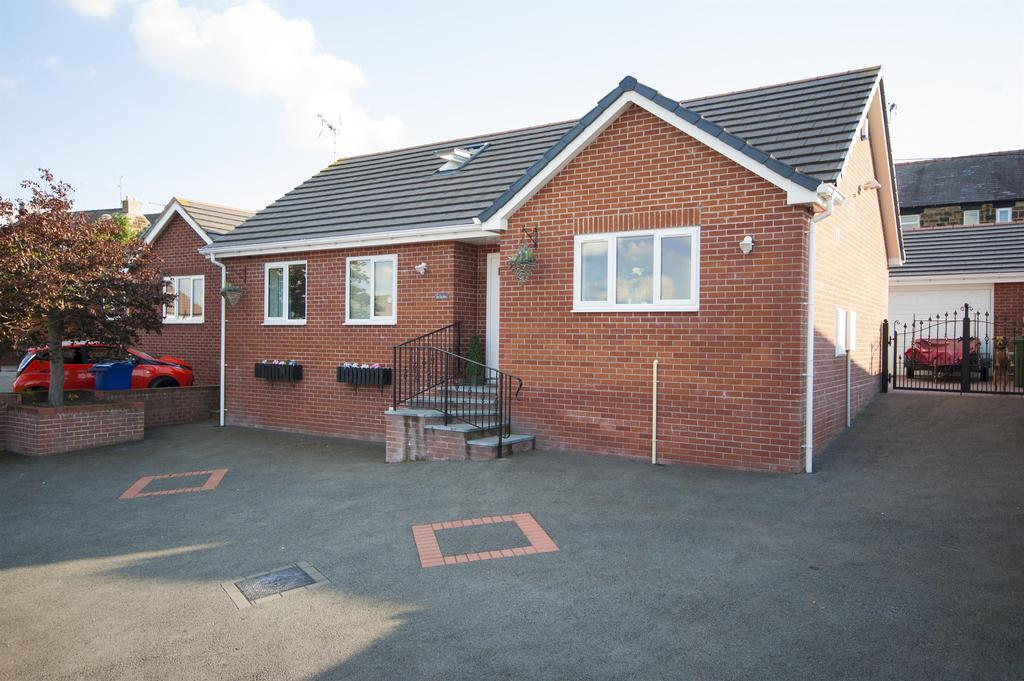 4 Bedrooms Detached Bungalow for sale in Pear Tree House, Heol Llewellyn, Coedpoeth, LL11 3PB