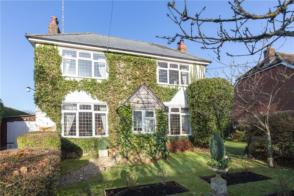 3 Bedrooms Detached House for sale in Bottlesford, Pewsey, Wiltshire, SN9