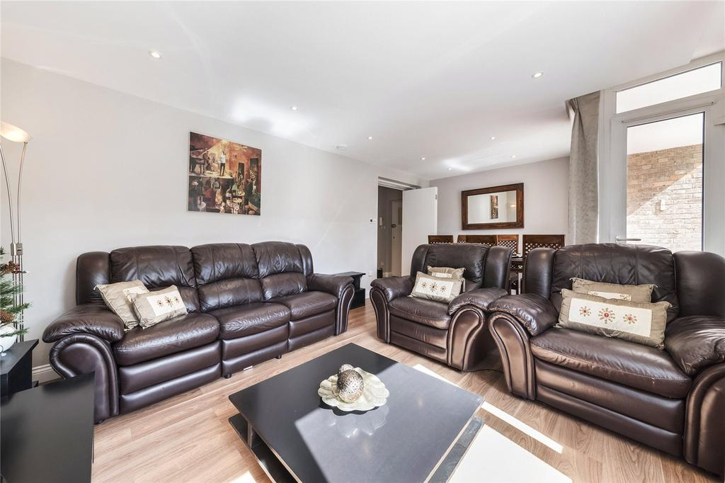 3 Bedrooms Flat for sale in Purcell House, Cremorne Estate, London, SW10