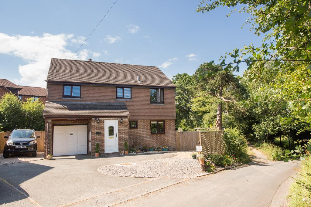 4 Bedrooms Detached House for sale in Marklye Lane, Heathfield, East Sussex, TN21 8QA