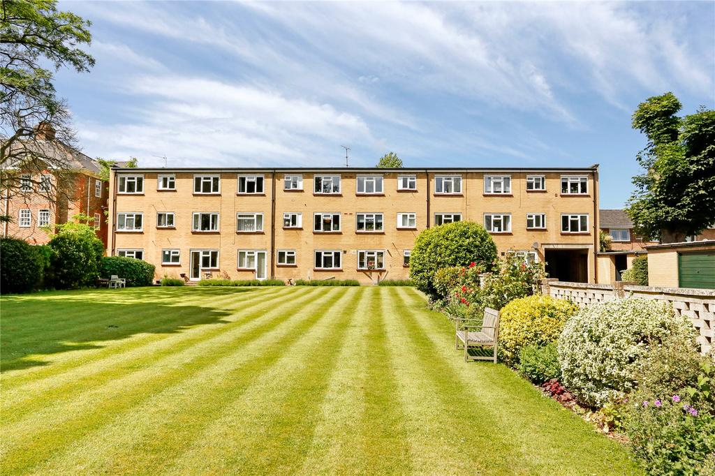2 Bedrooms Flat for sale in Zetland Court, 28 Ray Park Avenue, Maidenhead, Berkshire, SL6