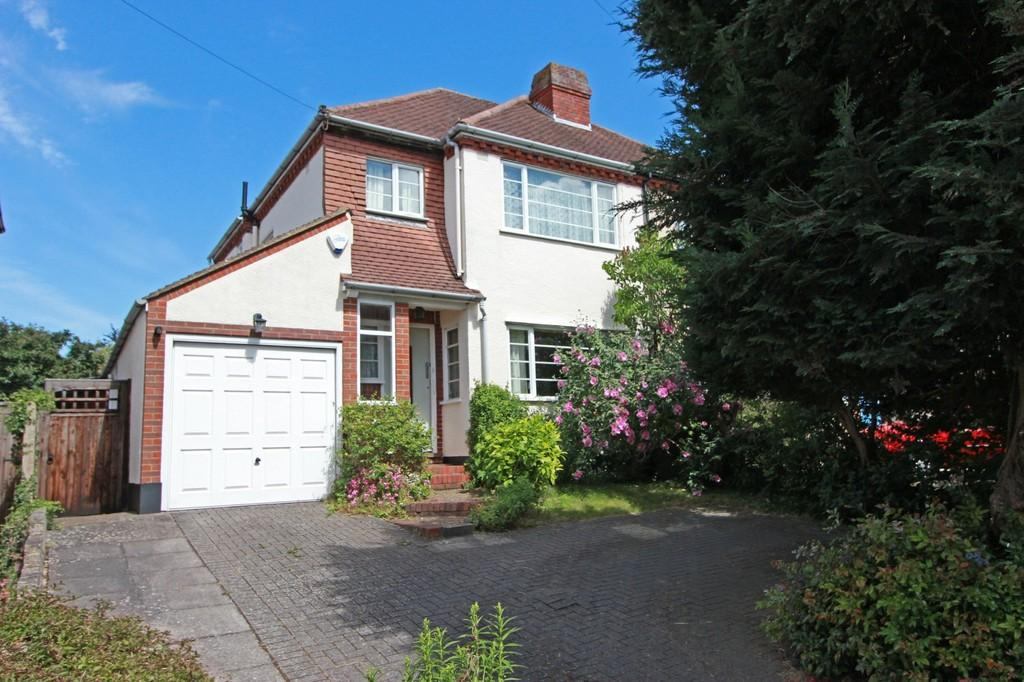 3 Bedrooms Semi Detached House for sale in Parsonsfield Road, Banstead