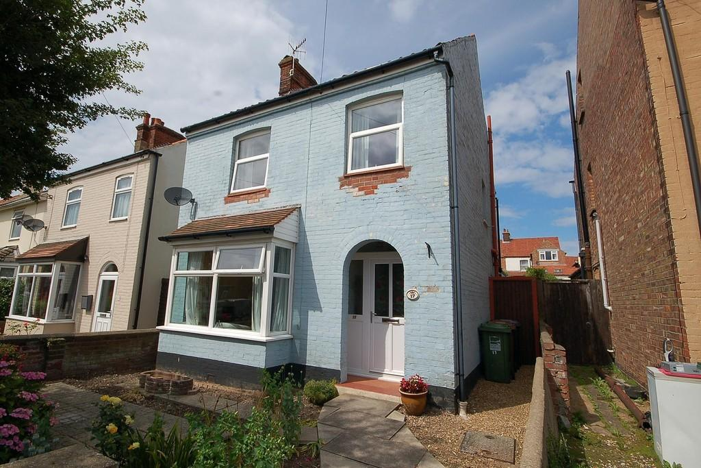 3 Bedrooms Detached House for sale in Priory Road, Sheringham