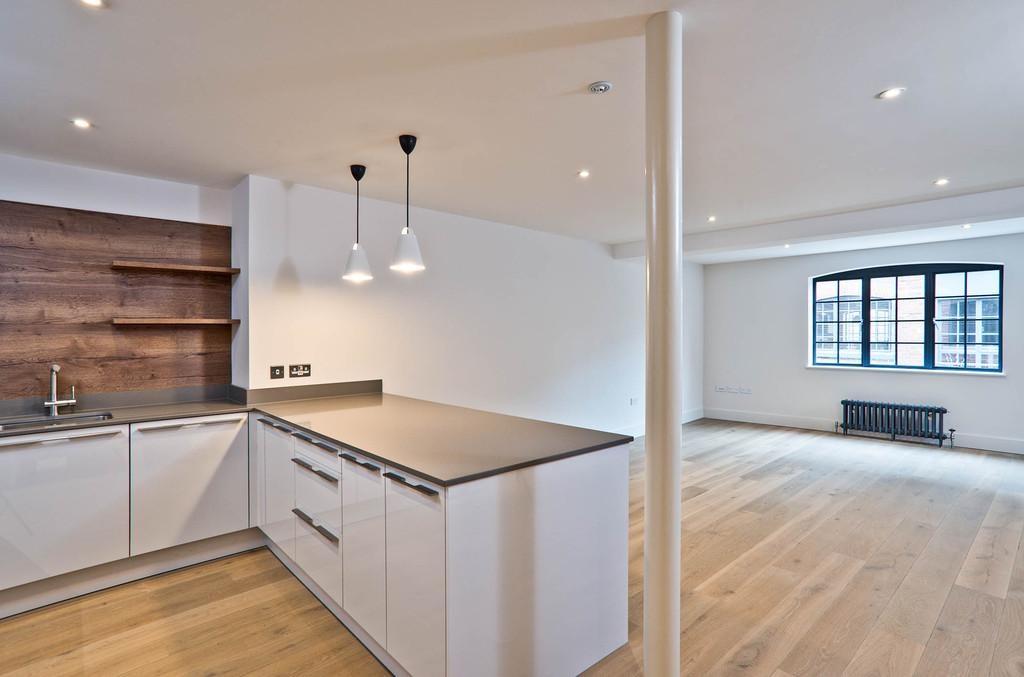 2 Bedrooms Apartment Flat for sale in East Row, Chichester